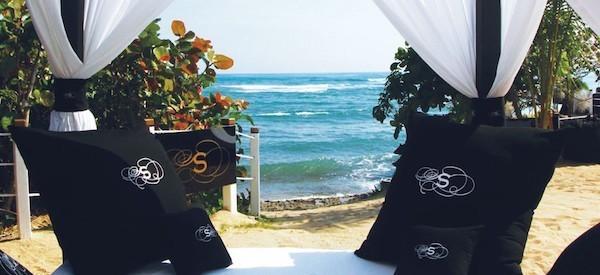 About-Us_ResorToLuxury_Shareholder_Deja-View_Beach